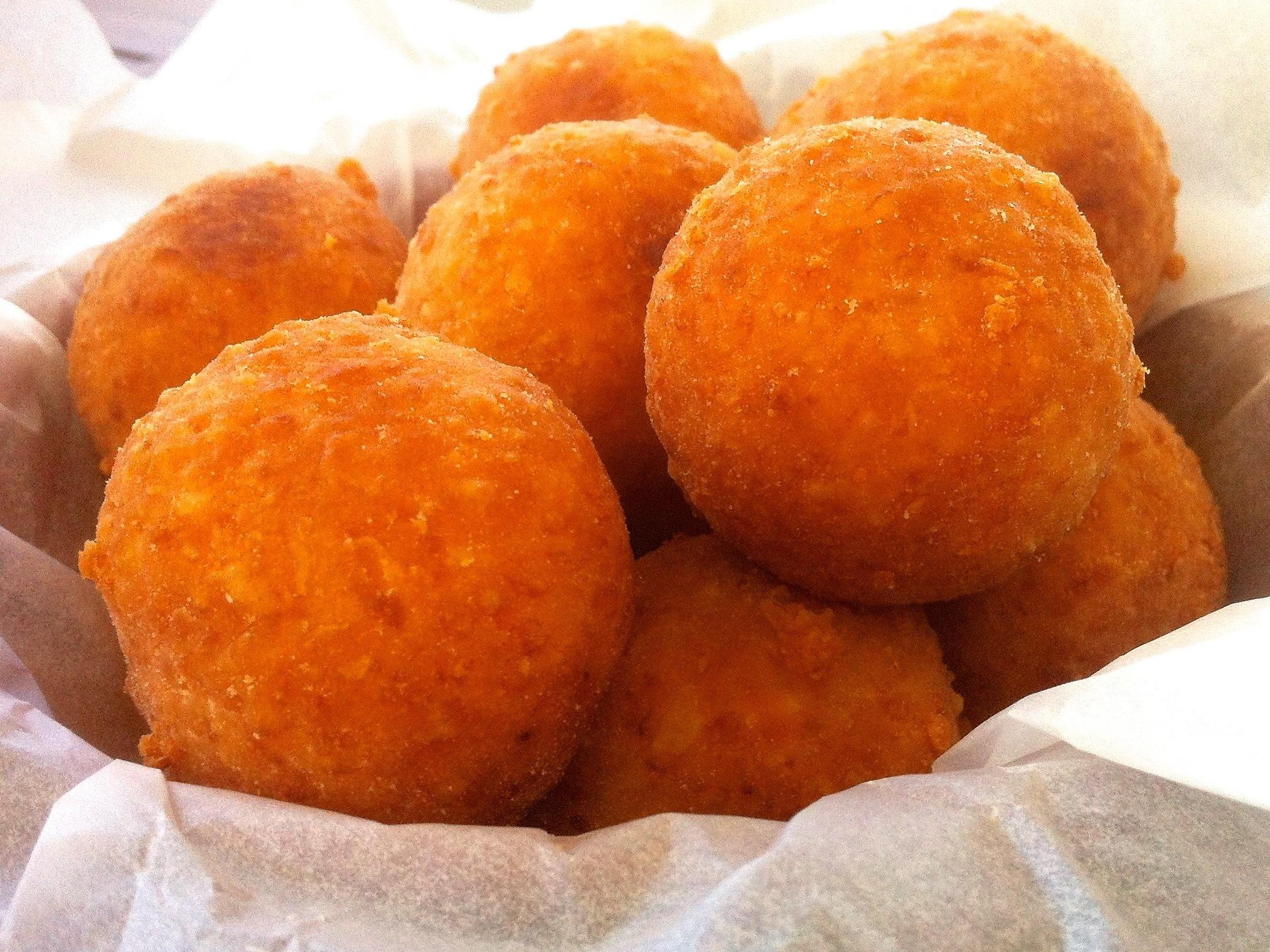 Творожные шарики с манкой жареные в масле рецепт